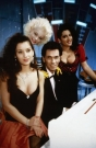 Tutti Frutti (TV-Show, BRD 1990-1993) Monique (2.v.li.), Hugo Egon Balder, Tiziana/ Mann am Fl¸gel, Moderator, Klavier, Frau, Frauen, Dekollete, Blondine/------- WICHTIG: Nutzung nur bei Filmtitelnennung und/oder in Zusammenhang mit Berichterstattung ¸ber diesen Film --- IMPORTANT: To be used solely for coverage of this specific motion picture/tv programme